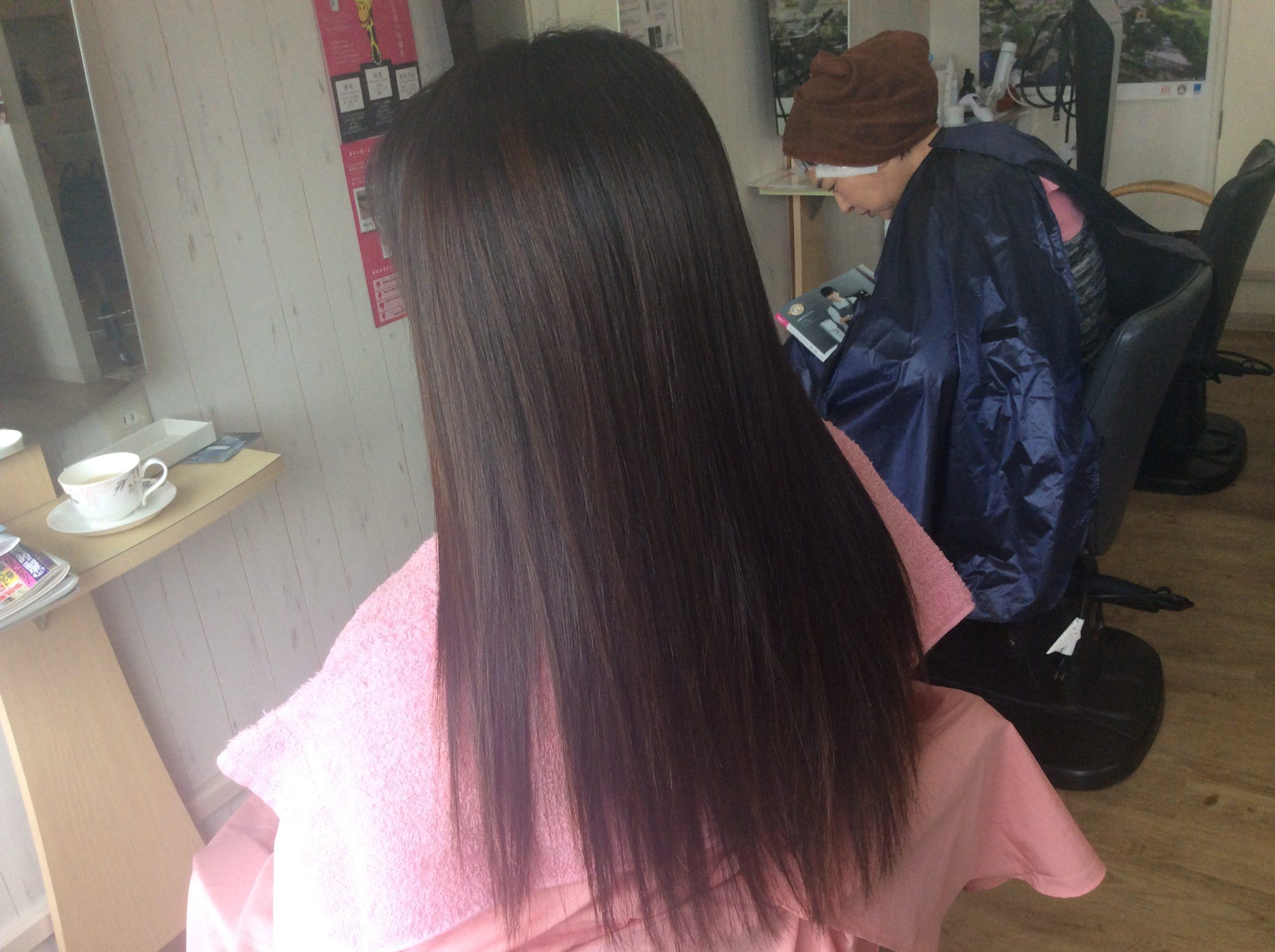 美髪再生カラーでツヤツヤ
